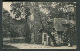 CPA  VERSAILLES  -  HAMEAU DU PETIT TRIANON - Versailles