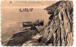 DEPT 83 : édit. Cap N° 6 : île Du Levant Au Pied Des Falaises ( Barque Animé ) - Hyeres