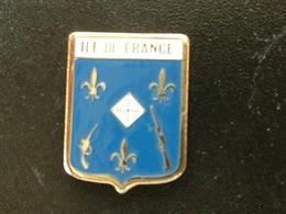 Pin's TIR - ILE DE FRANCE - Pin's