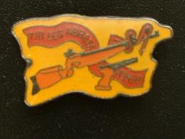 Pin's TIR - LES ABRETS - Pin's