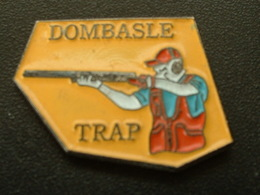 Pin's TIR - DOMBASLE TRAP - Autres