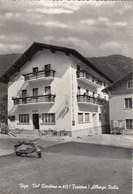 VIGO RENDENA-TRENTO-ALBERGO=ITALIA=-SCOOTER VESPA PIAGGIO-CARTOLINA VERA FOTOGRAFIA VIAGGIATA IL 23-7-1956 - Trento