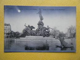 PARIS. La Place De La Nation. La Statue Du Triomphe De La République. - Statues
