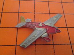 910c PIN'S PINS / Rare Et De Belle Qualité ! / Thème : AVIATION / AVION DE VOLTIGE BIERE BUDWEISER LIGHT - Avions