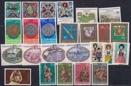 Liechtenstein 1977 Year (see Scan) ** Mnh (43914) - Liechtenstein