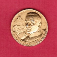 CANADA   60th ANNIVERSARY Of ST.JOSEPH'S ORATORY---BROTHER ANDRE MEDAL---SCARCE (T35) - Other