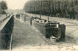 59  CAMBRAI  LE CANAL ET SES PENICHES  PENDANT LE CHOMAGE - Cambrai