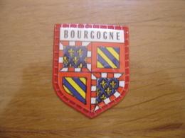 Ecusson Plastifie Cafés MAURICE Blason PROVINCE DE BOURGOGNE  N°49 - Ecussons Tissu