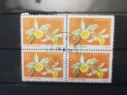 FRANCOBOLLI STAMPS VIETNAM VIET NAM 1976 USED SERIE FIORI FLOWERS QUARTINA DA FOGLIO - Vietnam
