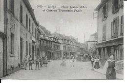 57 - Bitche - Place Jeanne D'Arc Et Caserne Trummelet-Faber - Bitche