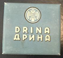 WITH MORE THAN HALF OF THE BOX     TOBACCO  BOX    CIGARETTES  DRINA  KINDOM OF YUGOSLAVIA - Contenitori Di Tabacco (vuoti)