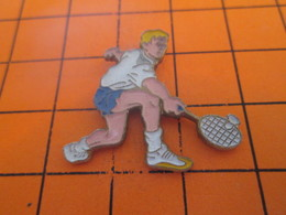 713G PIN'S PINS / Rare Et De Belle Qualité ! / Thème SPORTS / UN PRO DU BADMINTON Et Pas Du TENNIS - Tennis
