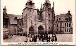 22 SAINT BRIEUC - Cathédrale Et Hôtel De Ville - Saint-Brieuc