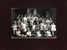 Tirage Photo Albuminé Cartonné Originale Scolaire Ecole De Fille 1910/20 - Noms & Prénoms Par Paul Härth D'Offenburg - Identified Persons
