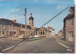 Pleine-Fougères (35) La Place - La Halle -L'Eglise - Francia