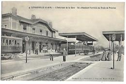 LONGUEVILLE - L'intérieur De La Gare, En Attendant L'arrivée Du Train De Provins - TRAIN - France