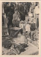 Photographie Argentique Après Guerre - Bruxelles - Vieux Marché - Place Du Jeu De Balle - Marolles  - Flacon Pharmacie - Places