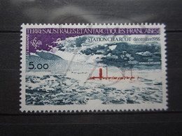 VEND BEAU TIMBRE DE POSTE AERIENNE DES T.A.A.F. N° 65 , XX !!! (a) - Poste Aérienne