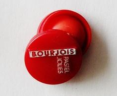 Pin's Rouge BOURJOIS Pastel Joues  - B19 - Perfume