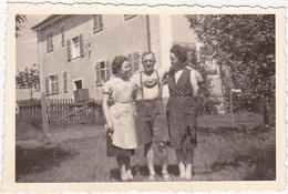 Photographie Amateur / 2 Femmes Et 1 Homme / Sommer 1940 / Foto-Hirschmann / Bayreuth / Veronika Hezel - Personnes Identifiées