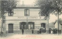 CPA 31 Haute Garonne St Saint Lys Le Bureau De Postes Des Et Télégraphes Non Circulée - France
