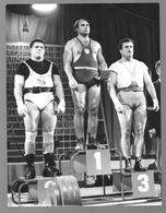 Photo Muscular Men Guy Weightlifting - Homme - Garcon - Men STOCKHOLM 1958 - SHEPPARD DAVE - VESELINOV - VOROBYEV - Persone Anonimi