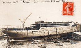 83 LA SEYNE SUR MER CARTE PHOTO DU LANCEMENT DU PATRIA LE 11 NOVEMBRE 1913 PAQUEBOT DE 140 M - La Seyne-sur-Mer