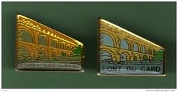 PONT DU GARD *** Lot De 2 Pin's Differents *** 1035 - Villes