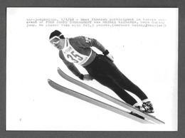 PHOTO - GAP GARMISCH 1968 - SKI SCI JUMPS JUMP - HEIKKI VAISANEN - Sport