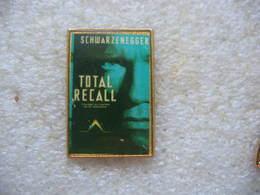 """Pin's Du Film """"Total Recall"""" Par Arnold Schwarzenegger. Film à Enigme - Cinéma"""
