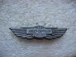 Pin's à 2 Attaches, Embleme Des Motos Harley-Davidson. Motor Harley-Davidson Cycles - Motos