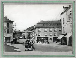 CPSM Dentelée - BRUYERES (88) - Aspect De La Rue Du Cameroun Dans Les Années 50 - Bruyeres
