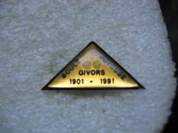Pin's Du Club De Pétanque La Boule Joyeuse à GIVORS 1901-1991 - Pétanque