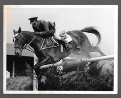 Photo - CHEVAL CHEVAUX HIPPISME - HORSE - CAVALLO -  Captain Kevin Barry - Sport