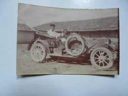 PHOTOGRAPHIE ANCIENNE - TUNISIE - OUED BEZIRK : Voiture Et Son Chauffeur - Automobiles