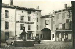 ST-DIDIER-EN-VELAY - Place Du Marché Et Vieille Fontaine - Saint Didier En Velay