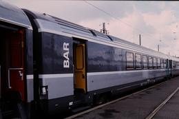 Photo Diapo Diapositive Slide Originale Train Wagon BAR Corail SNCF Le 12/09/1998 VOIR ZOOM - Diapositives