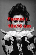 Reproduction D'une Photographie Ancienne D'un Portrait De Sheila En Arlequin En 1969 - Reproducciones