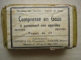 Militaria Guerre Indochine 1953 PAQUET DE 10 Petites COMPRESSES En Gaze Ministère Des Armées Service De Santé - Equipement