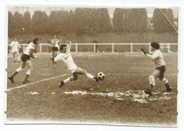 ANCIENNE PHOTO MATCH FOOT FOOTBALL, ACTION DE BUT, MOHON ( CHARLEVILLE MEZIERES ) - ENTENTE AVIZE - Voetbal