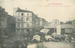CPA 31 Haute Garonne Cazères La Halle Un Jour De Marché - France