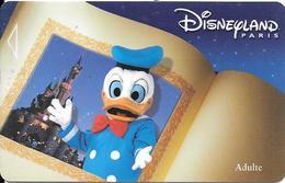 PASS--DISNEY-DISNEYLAND PARIS-2000-DONALD- ADULTE-V°NARBONI-00/06/DND-Valide 2jours TBE - Toegangsticket Disney