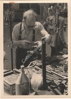 Photographie Argentique Après Guerre - Bruxelles - Vieux Marché - Place Du Jeu De Balle - Vieux Outils Et Serrurerie - Luoghi