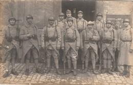 Rare Carte-photo Soldat Du 154 RI à Metz Montant La Garde 1 Janvier 1920 Au Poste De Police - 1914-18