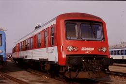 Photo Diapo Diapositive Slide Originale Train Wagon TER Automotrice SNCF X 4771 Le 20/02/1998 VOIR ZOOM - Diapositives