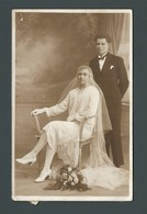 CPA Photo VANNES (56) - Monsieur MENANTEAU - TENANCIER (café, Maison Close ??)  à Côté De L'hôpital Et Son épouse - Vannes