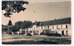 FR-3923   LIGUEIL : Place General Leclerc - Loches
