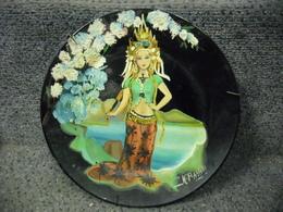 ART ORIENTAL - INDONESIE THAILLANDE CULTURE FEMME ASSIETTE PEINTE MAIN SUPERBE ! VINTAGE !! ANCIEN !! Peinture Relief - Oriental Art