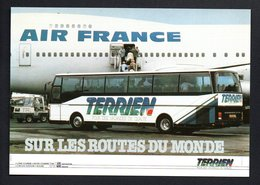 STE TERRIEN  -NANTES- Aéroport Avion 747 AIR FRANCE -- Gros Plan Autocar SETRA  S 215 HD - Nantes