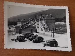 WW2 GUERRE 39 45 GEX SOLDATS ALLEMANDS A LA CASERNE VEHICULE AMBULANCE OCCUPATION - Gex